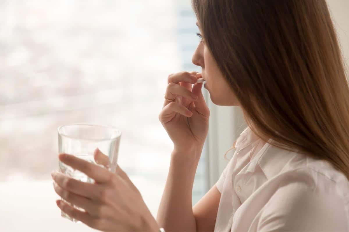 queda-de-cabelo-vitamina-para-queda-de-cabelo-kit-queda-de-cabelo-como-combater-a-queda-capilar-tratamento-para-queda-de-cabelo